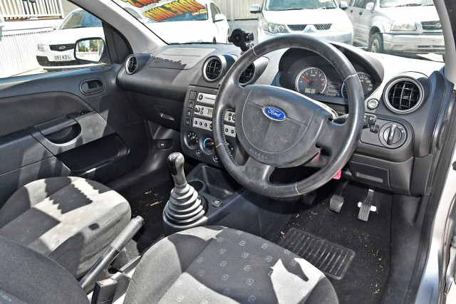 2005 Ford Fiesta WP LX Hatchback Image 9