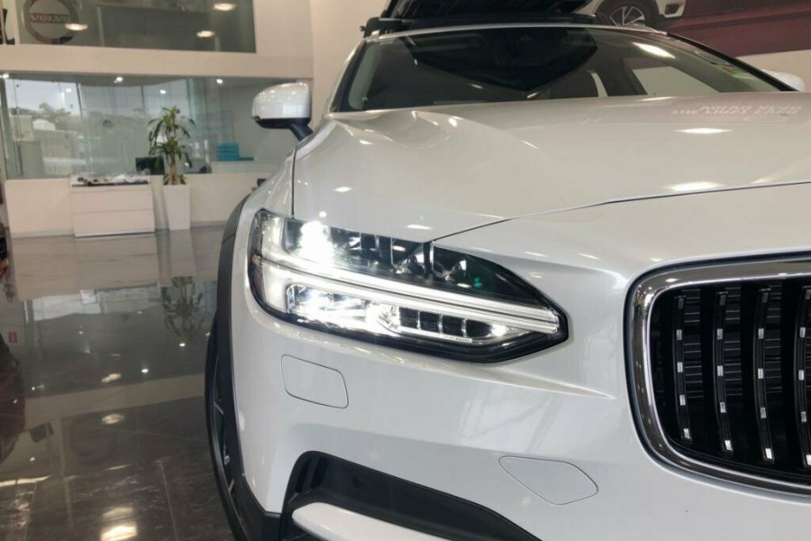 2019 MY20 Volvo V90 Cross Country D5 Wagon Mobile Image 2