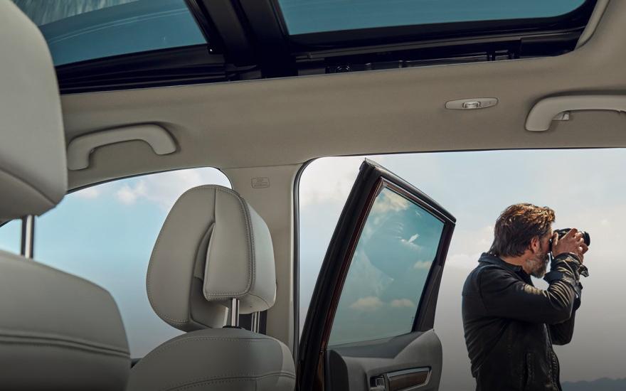 Koleos Drive in immersive luxury