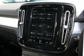 2019 Volvo XC40 XZ MY19 T4 Momentum Suv