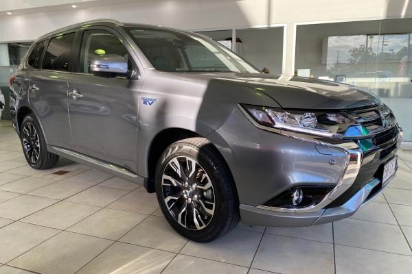 Mitsubishi Outlander Exceed ZK  PHEV