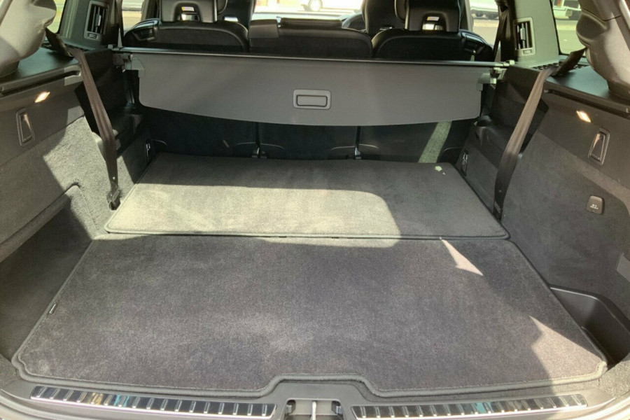 2018 MY19 Volvo XC90 256 MY19 D5 Inscription (AWD) Suv Mobile Image 8