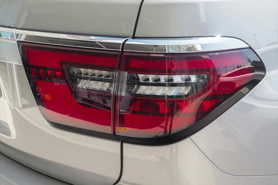 2021 Nissan Patrol Y62 Series 5 Ti-L Suv Image 3