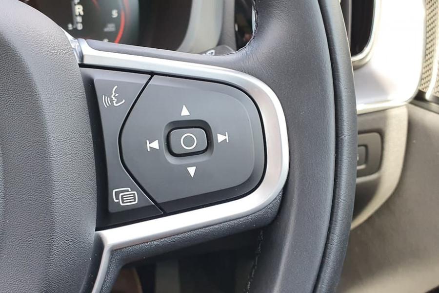 2020 Volvo XC60 UZ D4 Momentum Suv Mobile Image 21