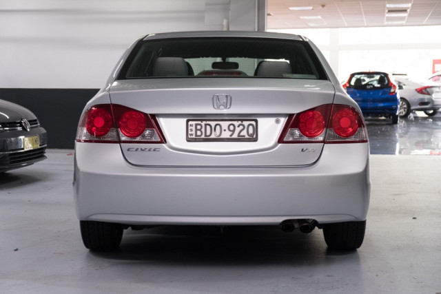 2007 Honda Civic 8th Gen  VTi Sedan Image 5