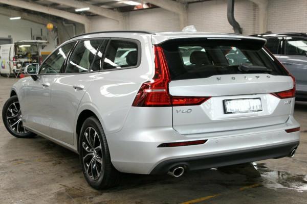 2019 MY20 Volvo V60 F-Series T5 Momentum Wagon Image 3
