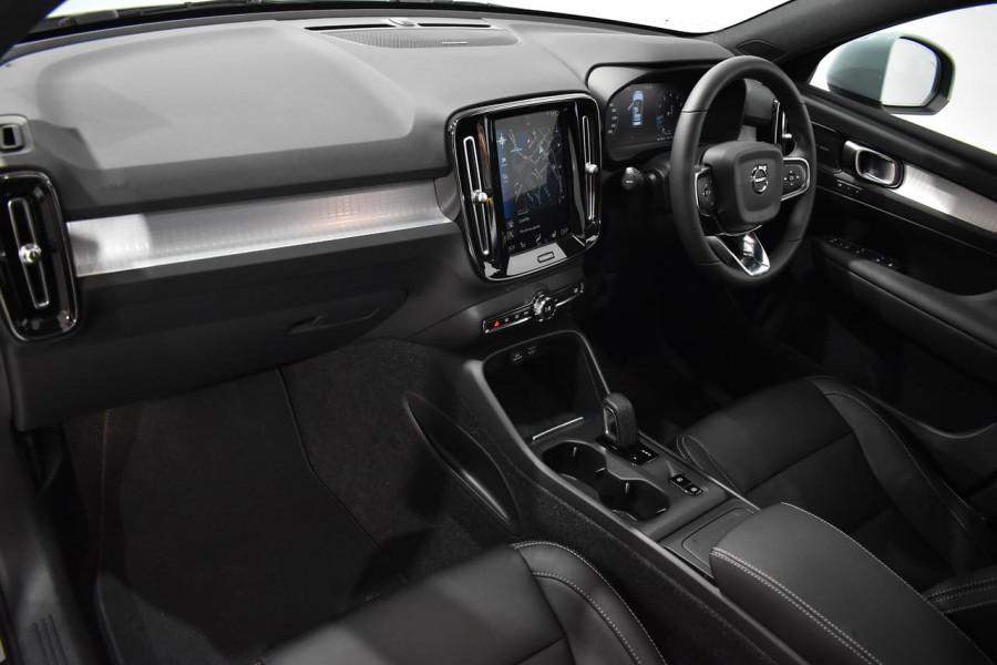 2019 Volvo Xc40 (No Series) MY19 T4 Momentum Suv Mobile Image 14