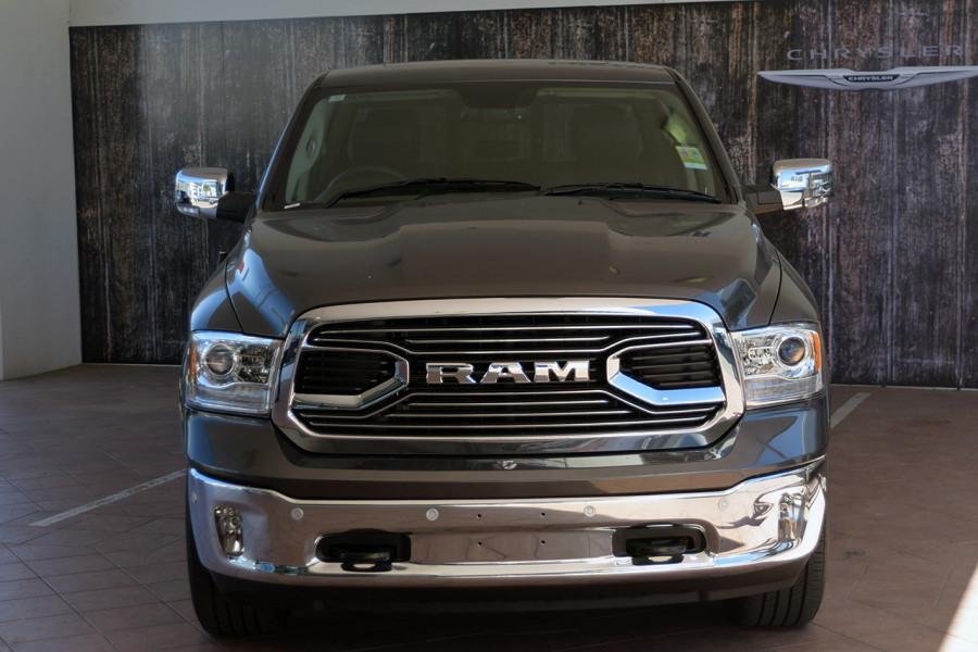 2019 MY18 Ram 1500 Laramie Crew cab Mobile Image 3