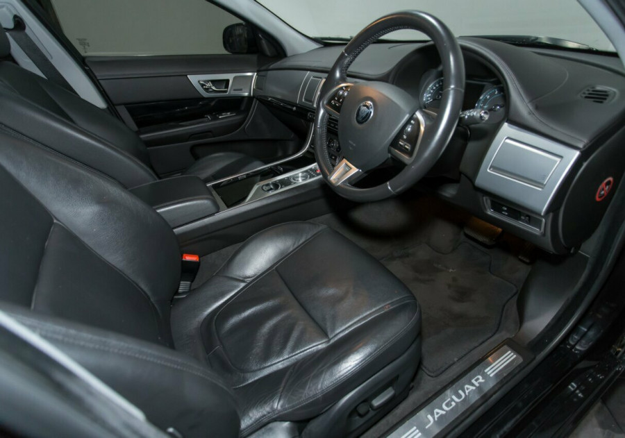 2015 Jaguar XF X250 MY15 Luxury Sedan