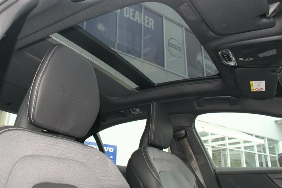 2019 MY20 Volvo S60 Z Series T5 R-Design Sedan Mobile Image 16