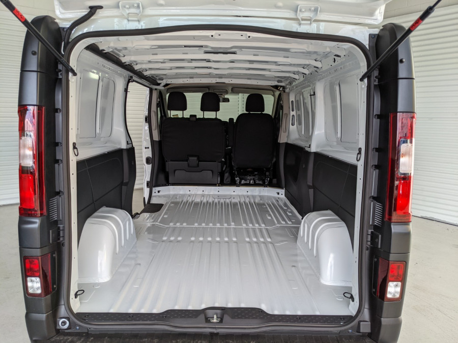 2021 Renault Trafic L2H1 LWB Pro Van Image 6