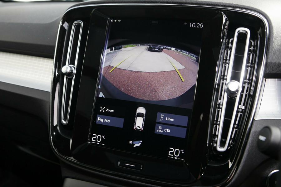 2019 Volvo XC40 XZ MY19 T4 Momentum Suv Mobile Image 14