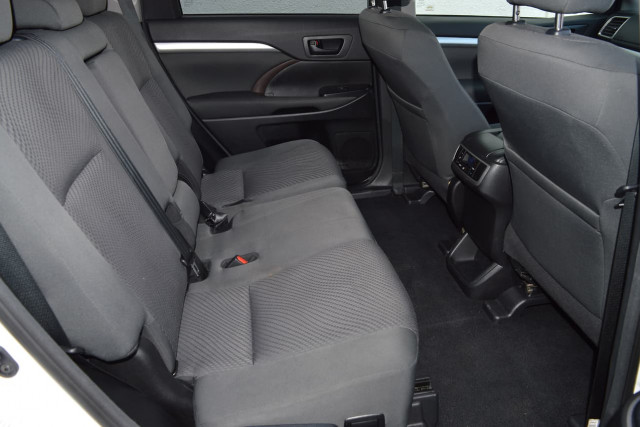 2018 Toyota Kluger GX 16 of 26