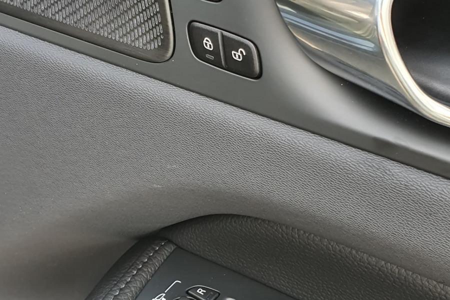 2020 Volvo XC60 UZ D4 Inscription Suv Mobile Image 18