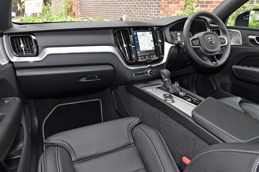 2020 Volvo XC60 UZ T6 R-Design Suv Mobile Image 9