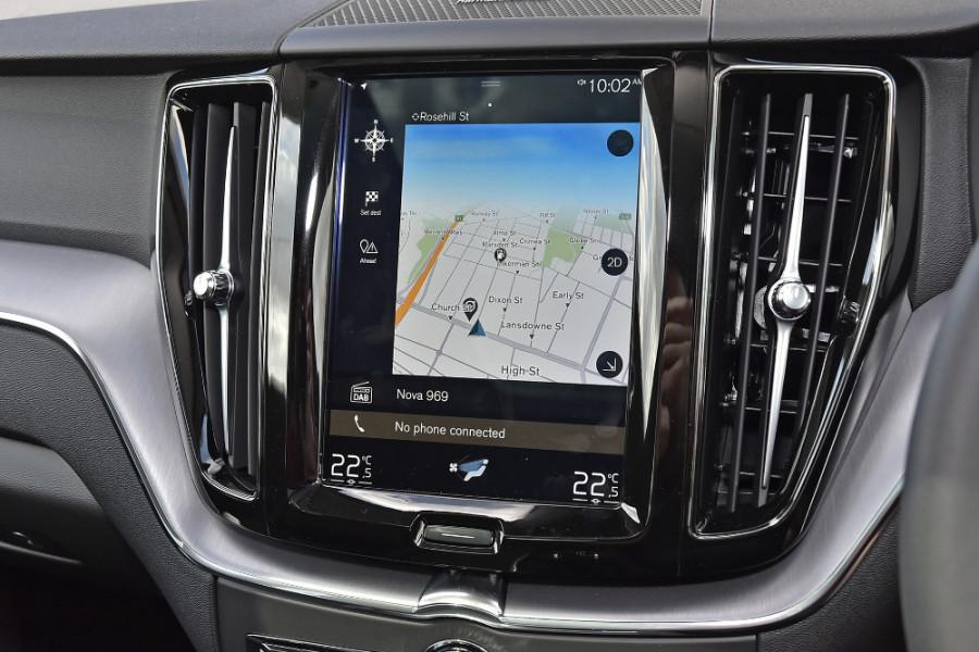 2019 MY20 Volvo XC60 UZ T5 Momentum Suv Mobile Image 12