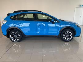 2016 Subaru XV G4-X 2.0i Suv Image 3