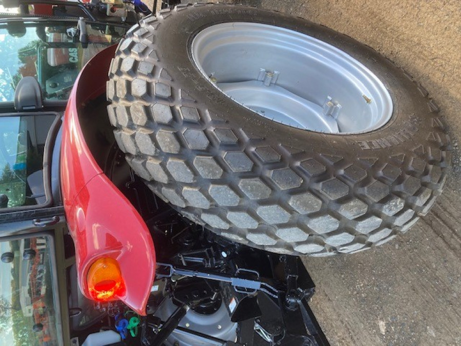 2019 Case IH FARMALL 60B Tractor crawler Image 8
