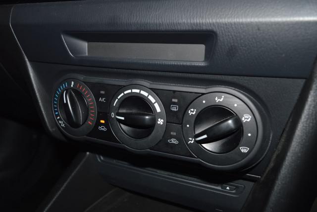 2015 Mazda 3 Neo 12 of 23
