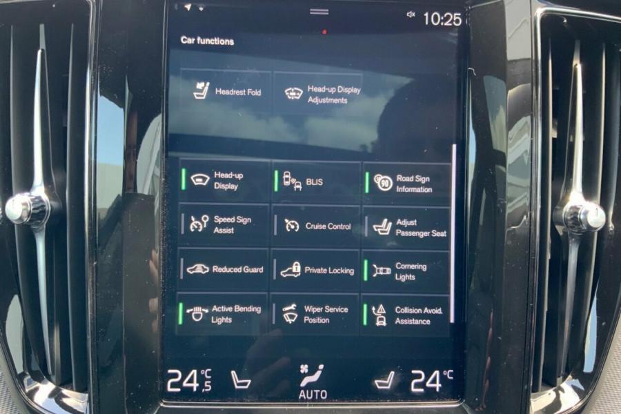 2018 MY19 Volvo XC60 246 MY19 D5 R-Design (AWD) Suv Mobile Image 15
