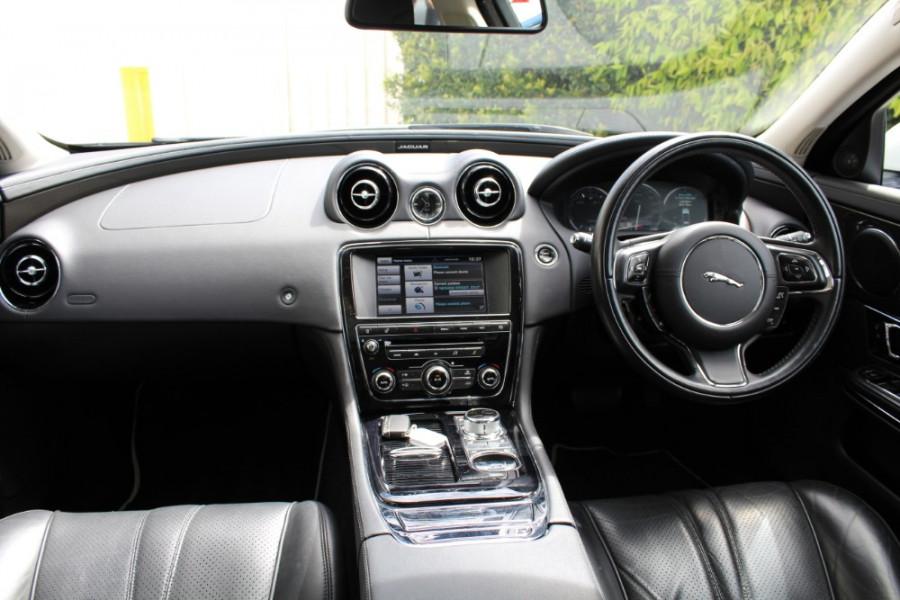 2015 Jaguar Xj X351 MY15 Premium Sedan Image 6