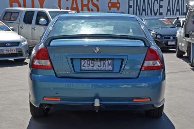 2005 Holden Commodore VZ Executive Sedan Image 4