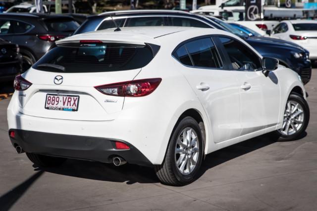 2015 Mazda 3 BM5478 Maxx Hatchback Image 2