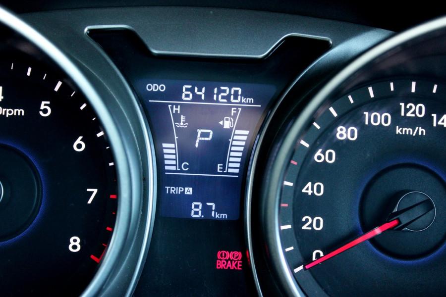 2012 Hyundai Veloster FS Hatchback Image 16