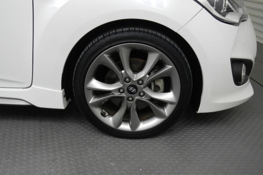 2016 Hyundai Veloster FS4 Series II SR Hatchback Mobile Image 15