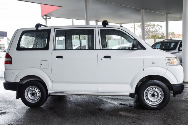 2012 Suzuki Apv
