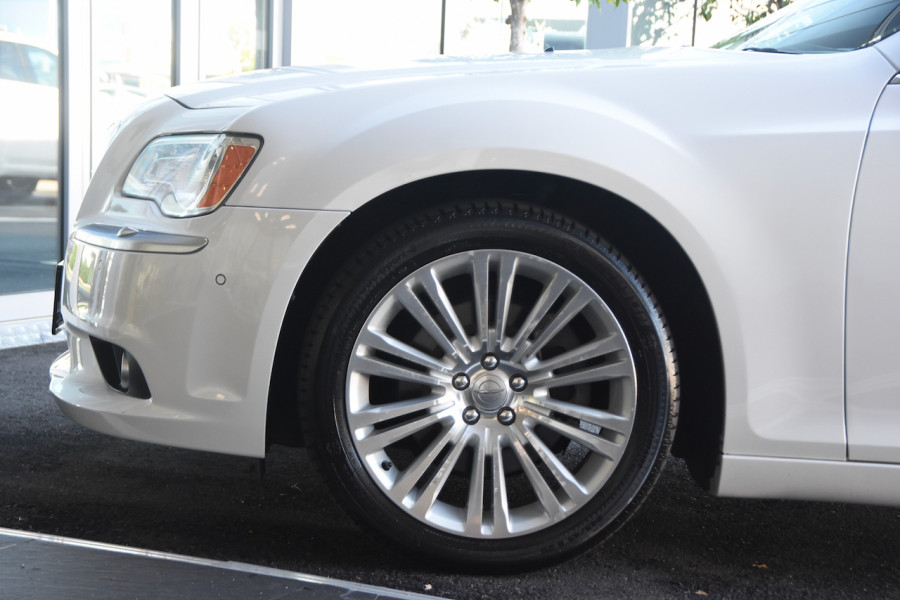 2014 Chrysler 300 LX C Sedan Image 5
