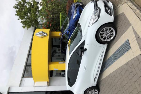 2017 Renault Clio IV B98 Phase 2 R.S. 200 Hatch Image 4
