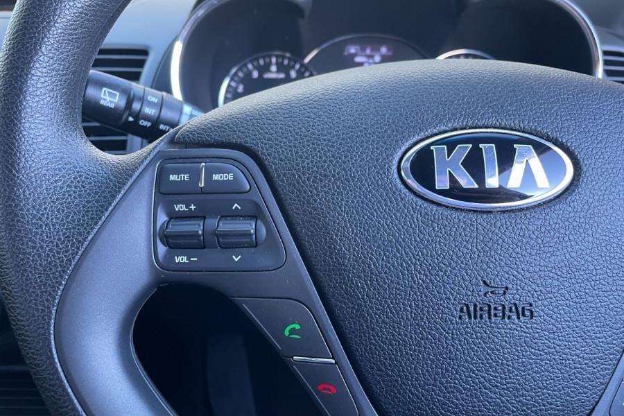 2016 Kia Cerato YD S Hatchback Image 13
