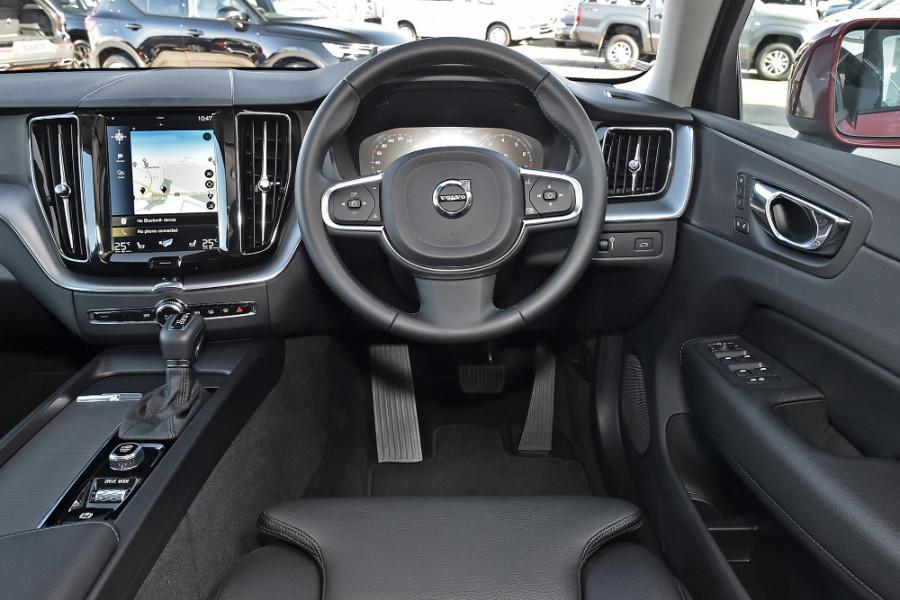 2019 Volvo XC60 UZ T5 Momentum Suv Mobile Image 3