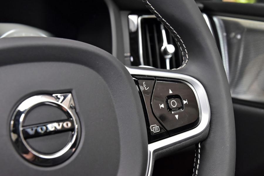 2020 Volvo XC60 UZ T6 R-Design Suv Mobile Image 24