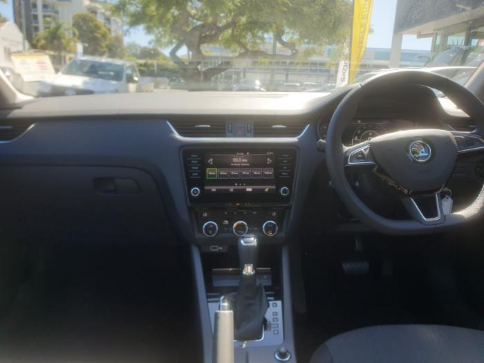 2019 Skoda Octavia NE Sedan Sedan Image 6
