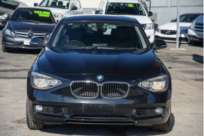 2013 BMW 1 Series F20 118i Hatchback Image 3