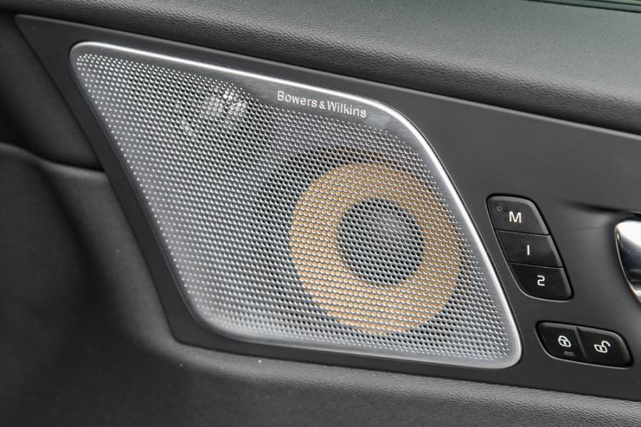 2018 MY19 Volvo XC60 UZ T6 R-Design Suv Mobile Image 17