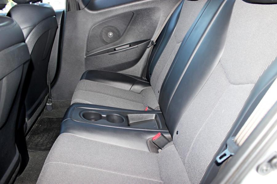 2012 Hyundai Veloster FS Hatchback Image 8
