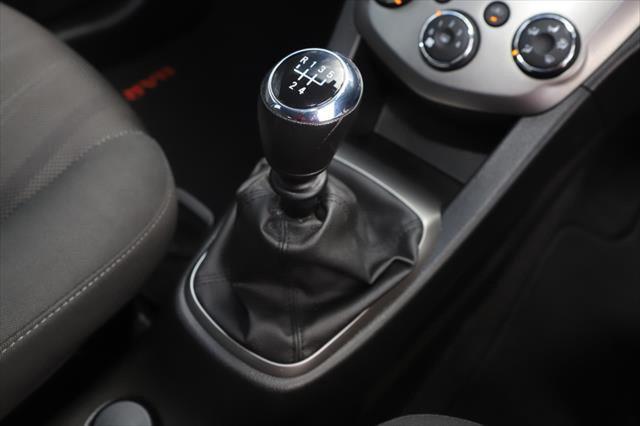 2016 Holden Barina TM MY16 CD Hatchback Image 19
