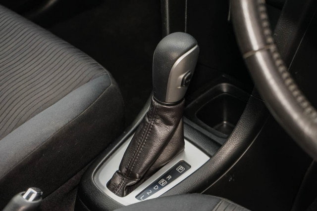 2011 Suzuki Swift FZ GA Hatchback Image 5