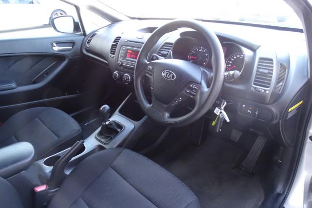 2014 Kia Cerato Hatch S 17 of 25