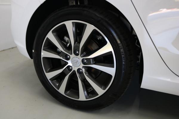 2019 Hyundai i30 PD2 Premium Hatchback Image 3