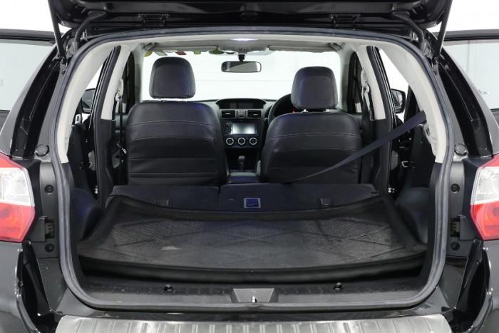 2014 Subaru XV G4-X 2.0i-S Suv Image 23