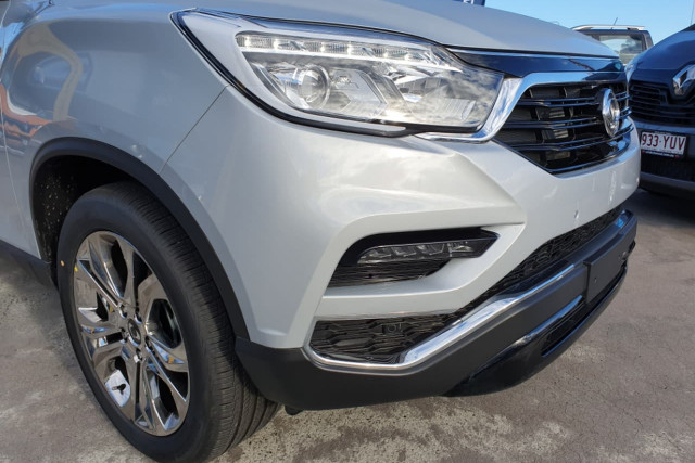 2018 SsangYong Rexton Ultimate 9 of 20