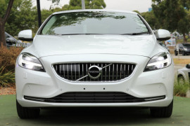 2017 Volvo V40 M Series D4 Inscription Hatchback