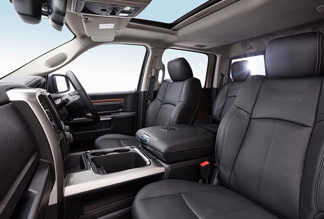 1500 Laramie V8 Hemi Best in-Class Cab Size
