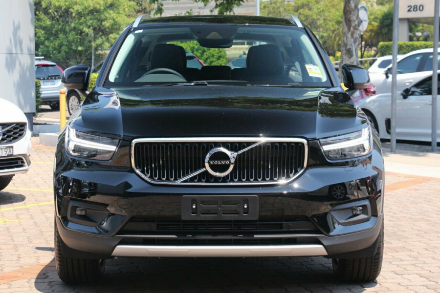 2019 Volvo XC40 XZ T4 Momentum Suv Mobile Image 17