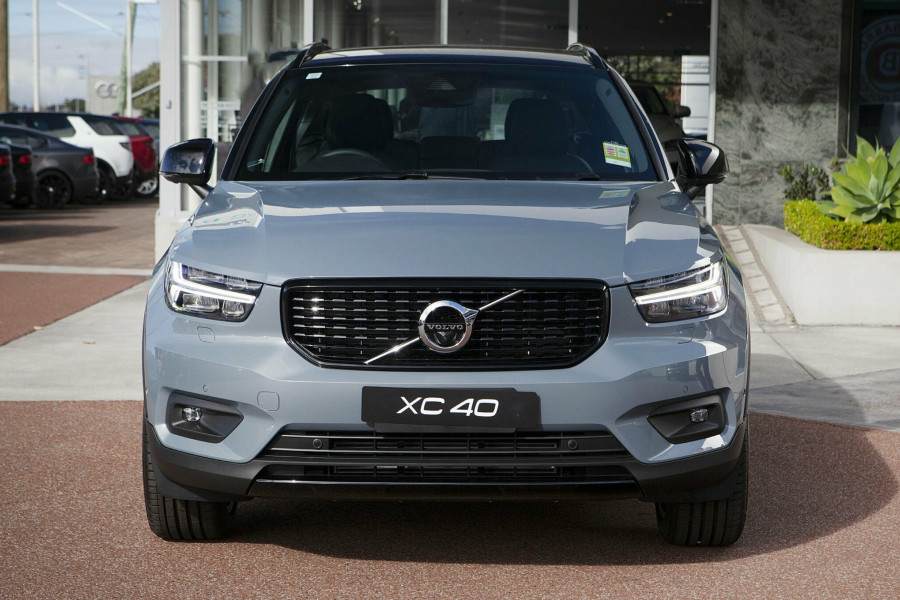 2019 Volvo XC40 T5 R-Design Suv Mobile Image 4