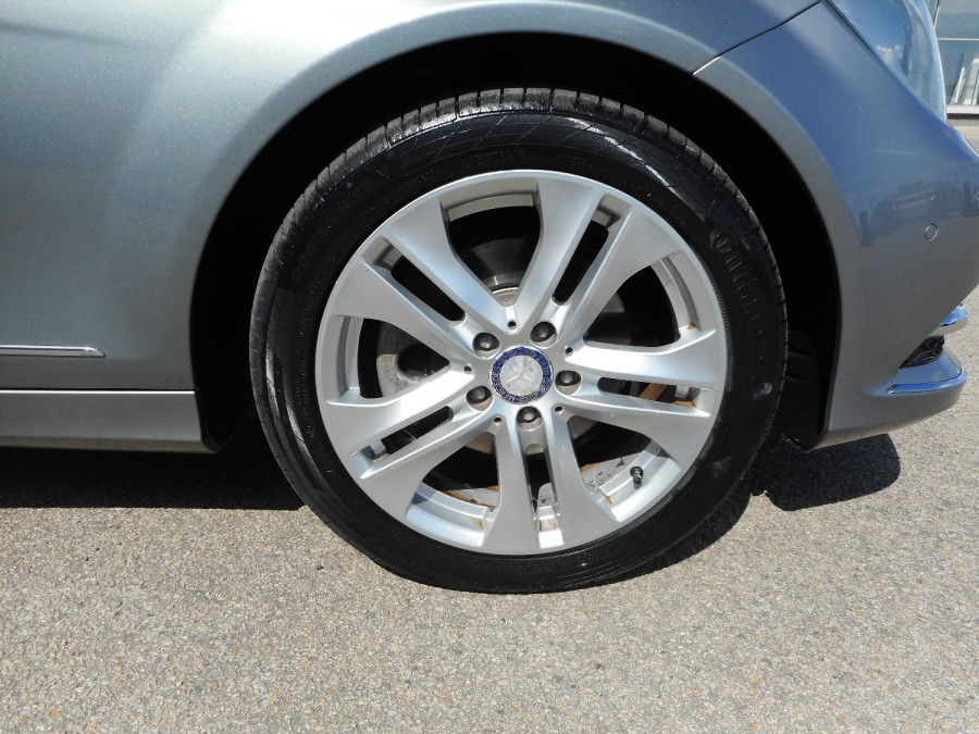 2014 Mercedes-Benz C-class W204  C250 CDI Avantgarde Sedan Image 9